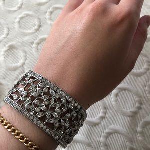 Jewelry - Gorgeous Garden Rhinestone Elastic Cuff